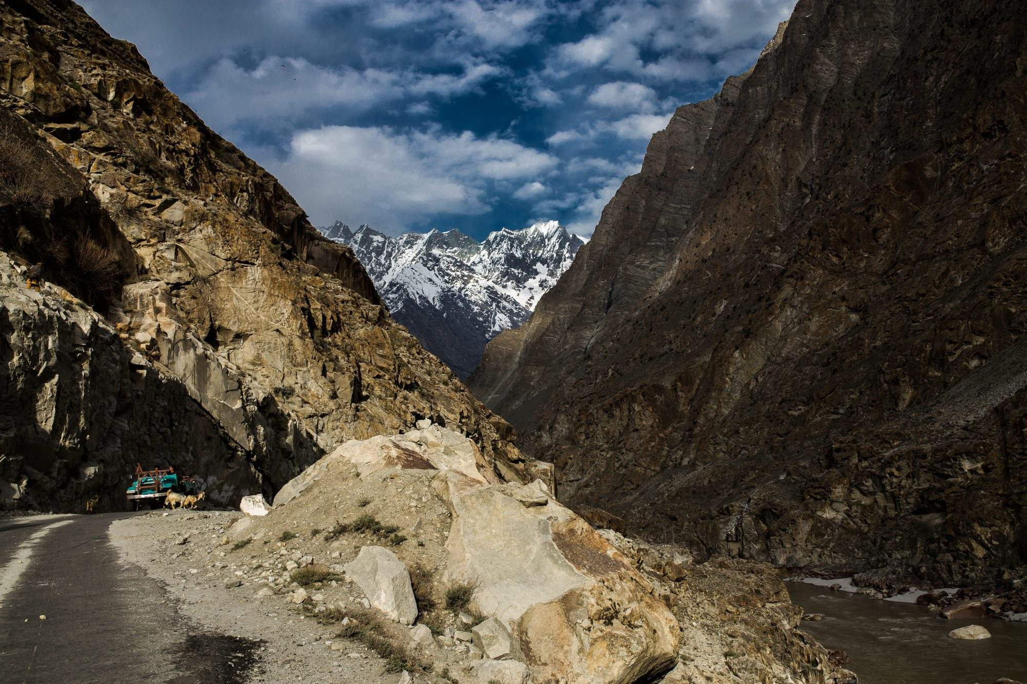 Mountains in Pakistan. India motorcycle trip with Advfactory